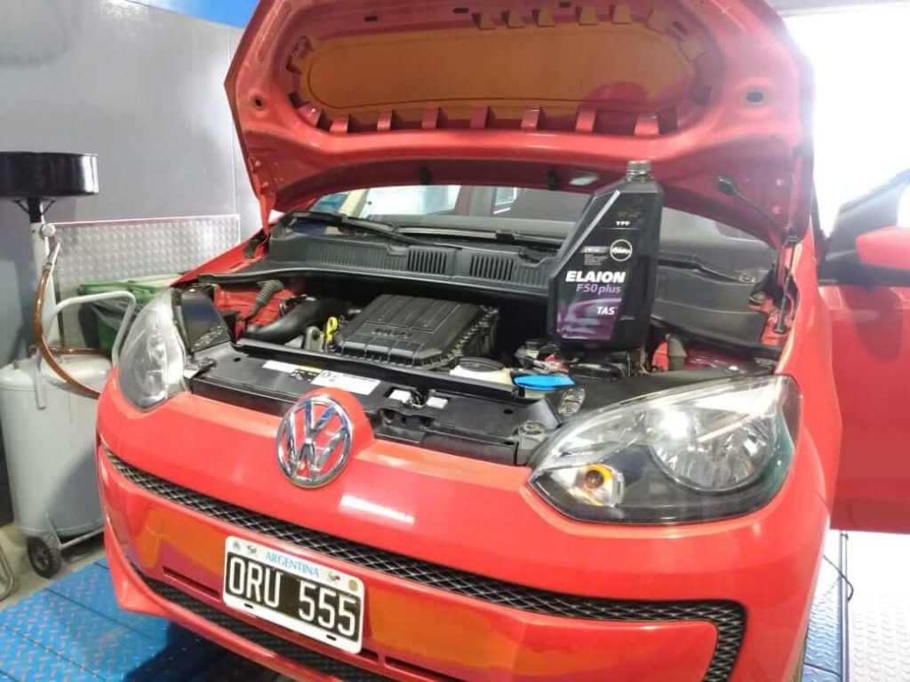 ypf_aca_santafe-cambio_aceite_vw_up_003